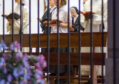 Claustrales-Liturgia
