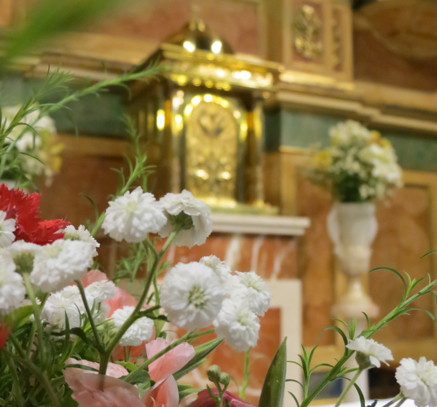Contemplativas-Sagrario Iglesia